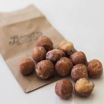 (12) Donut Holes