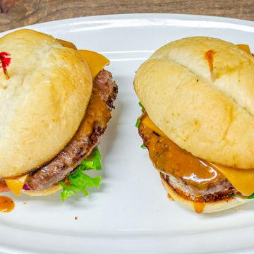 2 Grilled Beef Sliders