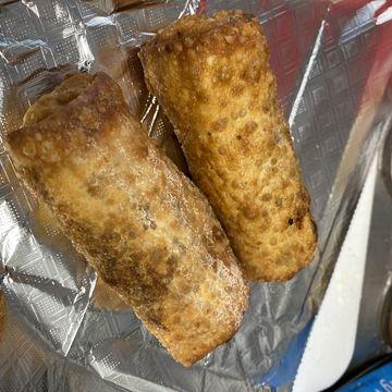 Brisket, Mac & Cheese Egg Roll