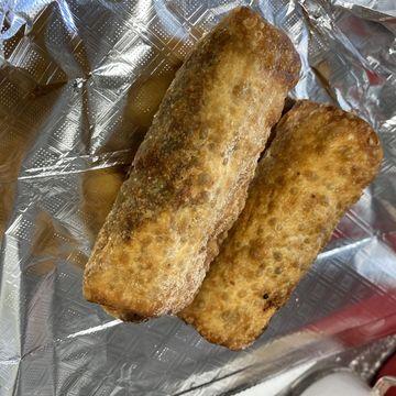 Pulled Pork, Mac & Cheese Egg Roll