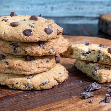 Traditional Chocolate Chip Cookie - Stack of 4
