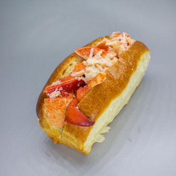 Lobster Roll: Hot Buttered