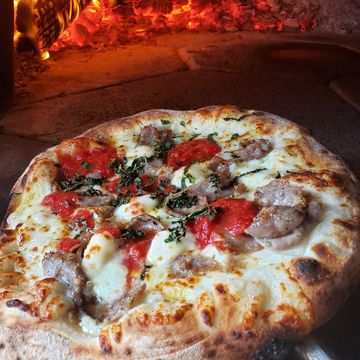 Rick's White Garlic (Ten Inch Pizza)